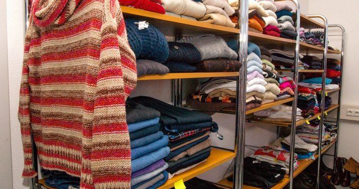 Das KleiderCafé im Bürgerhaus: Große Auswahl an hochwertiger Ware. Foto: Claudia Topel