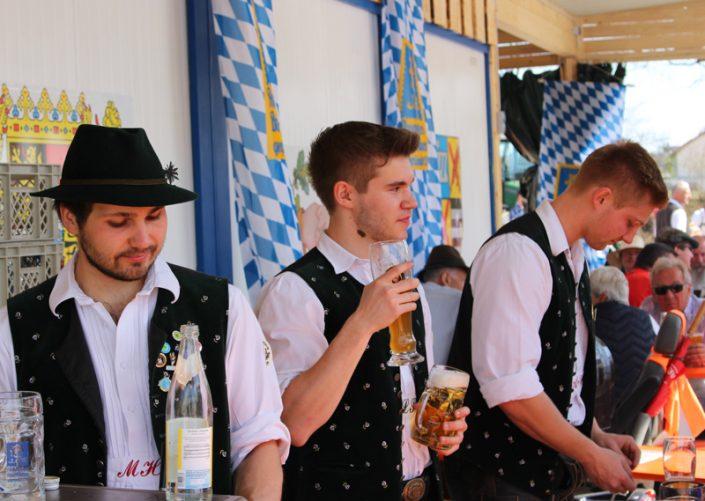 """""""Der Maibaum kumd"""" - Die Maibaumzeit in Kirchheim beginnt. Foto: Kathi Ruf"""