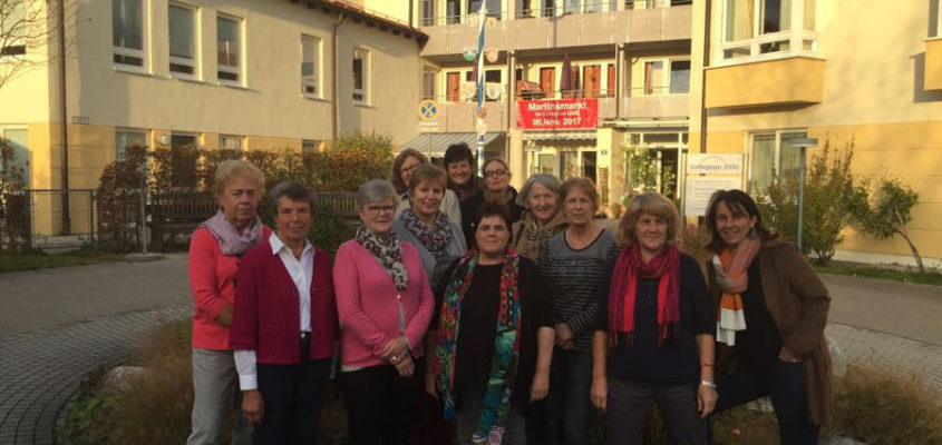 """Zehn ehrenamtliche Helfer bestehen den Kurs """"Demenzkranke verstehen und begleiten"""""""
