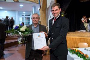 Auch Heinz Graßold wurde für sein langjähriges ehrenamtliches Engagement geehrt. Erster Bürgermeister Maximilian Böltl sprach allen Geehrten seinen Dank aus.