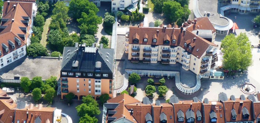 Das Räter-Einkaufs-Zentrum in Heimstetten aus der Vogelperspektive
