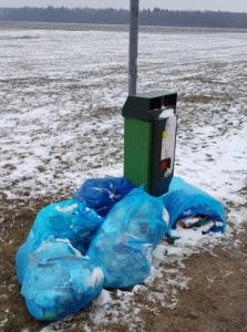 Hausmüll gehört nicht in öffentliche Abfalleimer