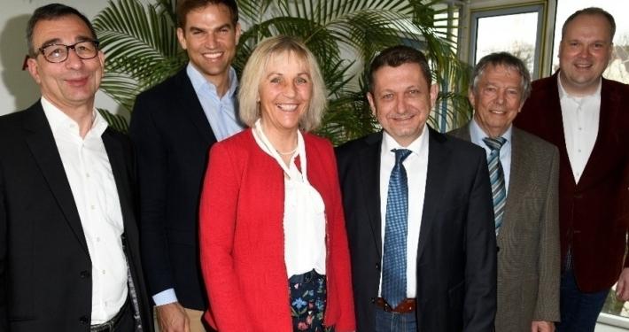 Europa im Rathaus: Professor Stefan Rappenglück (links) stellte im