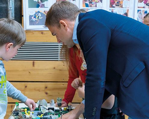 Erklärung am Entwurf: Die Drittklässler der Grundschule an der Martin-Luther Straße haben beim Mitmach-Wettbewerb für die Landesgartenschau 2024 nicht nur Ideen eingebracht, sondern gleich ein ganzes Modell gebaut.