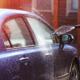 Immer wieder ist u.a. zu beobachten, dass Autos auf den Straßen und Garagenvorplätzen mit Strahlern und Chemikalien gewaschen werden. Dabei handelt es sich jedoch um eine Ordnungswidrigkeit und kann mit Bußgeldern geahndet werden.