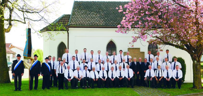 Veteranen- und Soldatenverein Heimstetten: Gruppenfoto der Vereinsmitglieder (2019).
