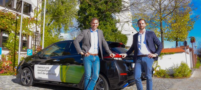 Erster Bürgermeister Maximilian Böltl und Christoph Weigler, General Manager von Uber: Ein Pilotprojekt des Unternehmens in enger Abstimmung mit der Gemeinde bietet mehr Mobilität vor Ort.