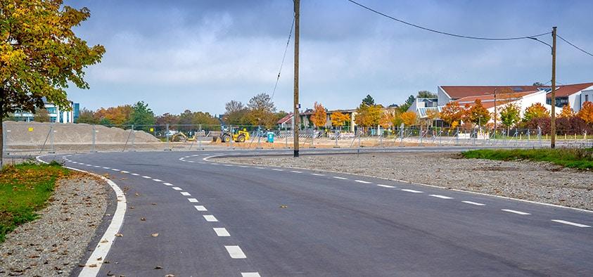 Geöffnet: Die Heimstettner Straße ist für den Verkehr nun durchgängig befahrbar. Der Durchstich war Teil des Bürgerentscheids zu Kirchheim 2030.