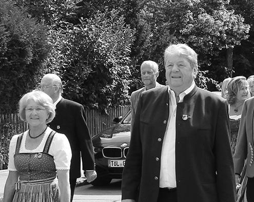 Foto: Hermann Schuster beim Jubiläumsumzug der Musikkapelle Kirchheim im Jahr 2015.