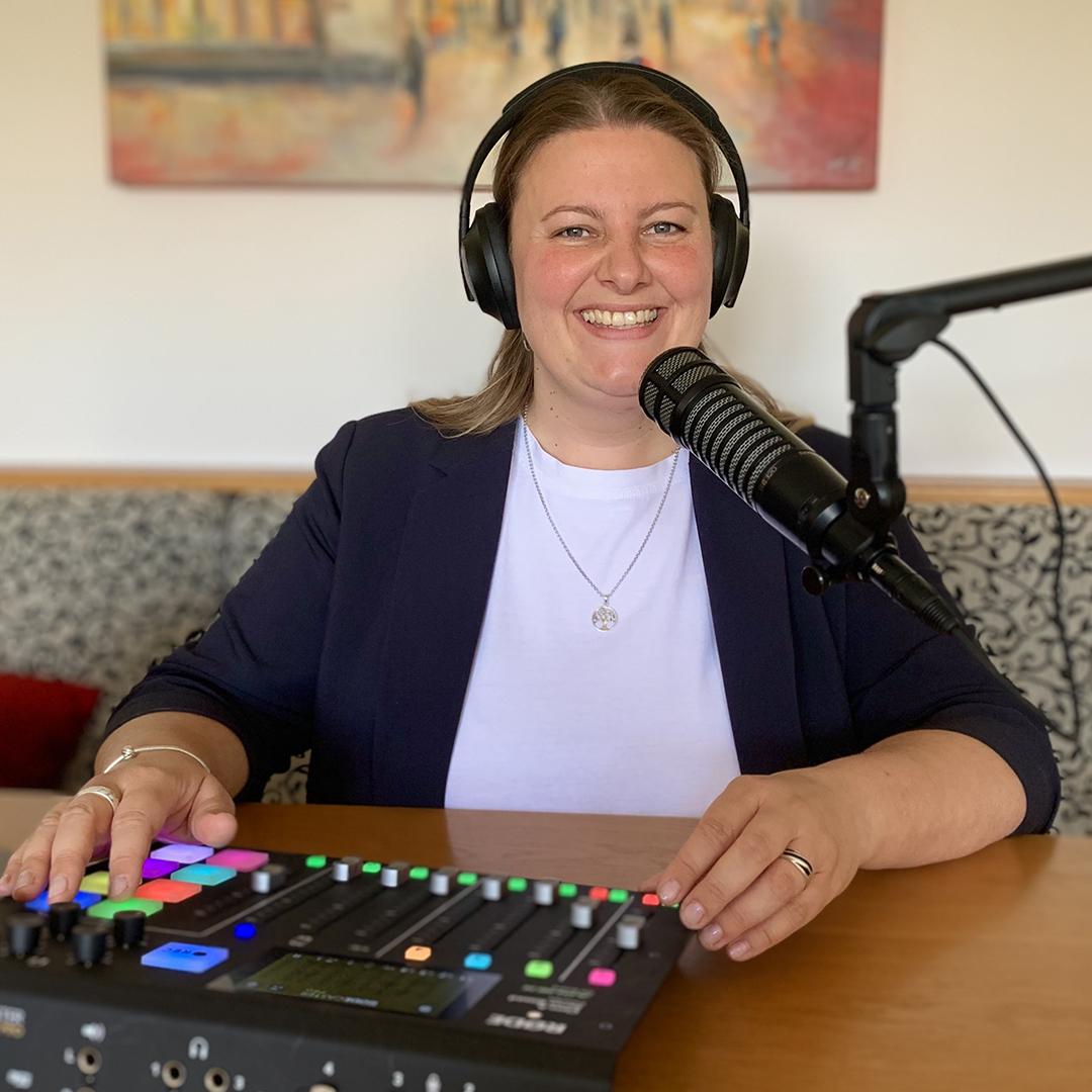 Foto: Die Moderatorin des Podcasts, Kathi Ruf